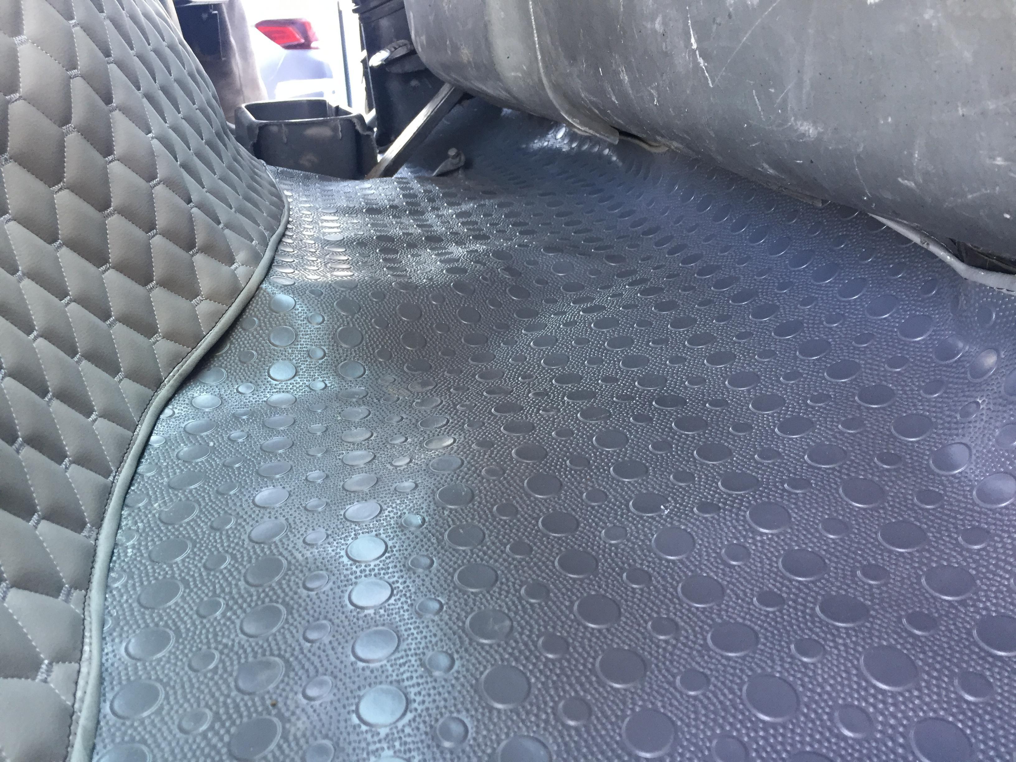 Mitsubishi taban döşemesi ve koltuk kılıfı