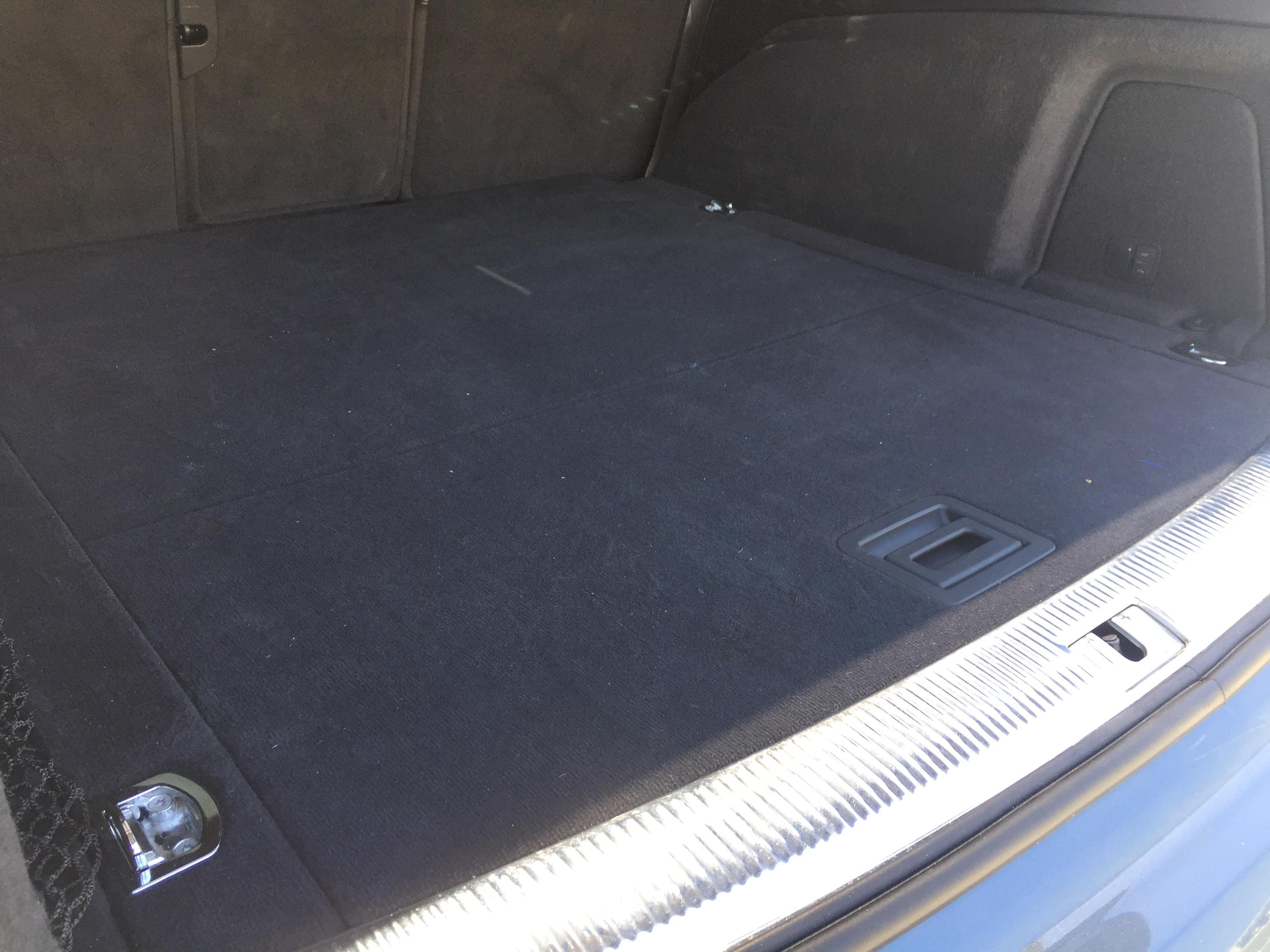 Audi Q7 bagaj paspası