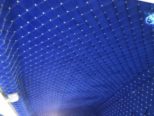 Isuzu iç döşeme yapımı mavi renk