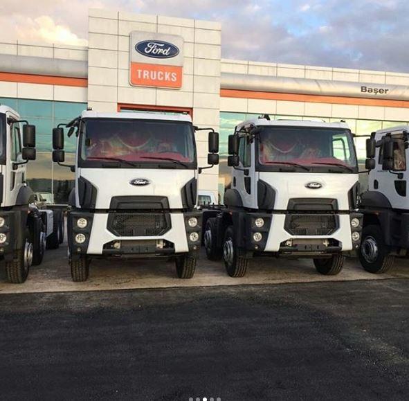 Ford kamyon iç aksesuar işlemi