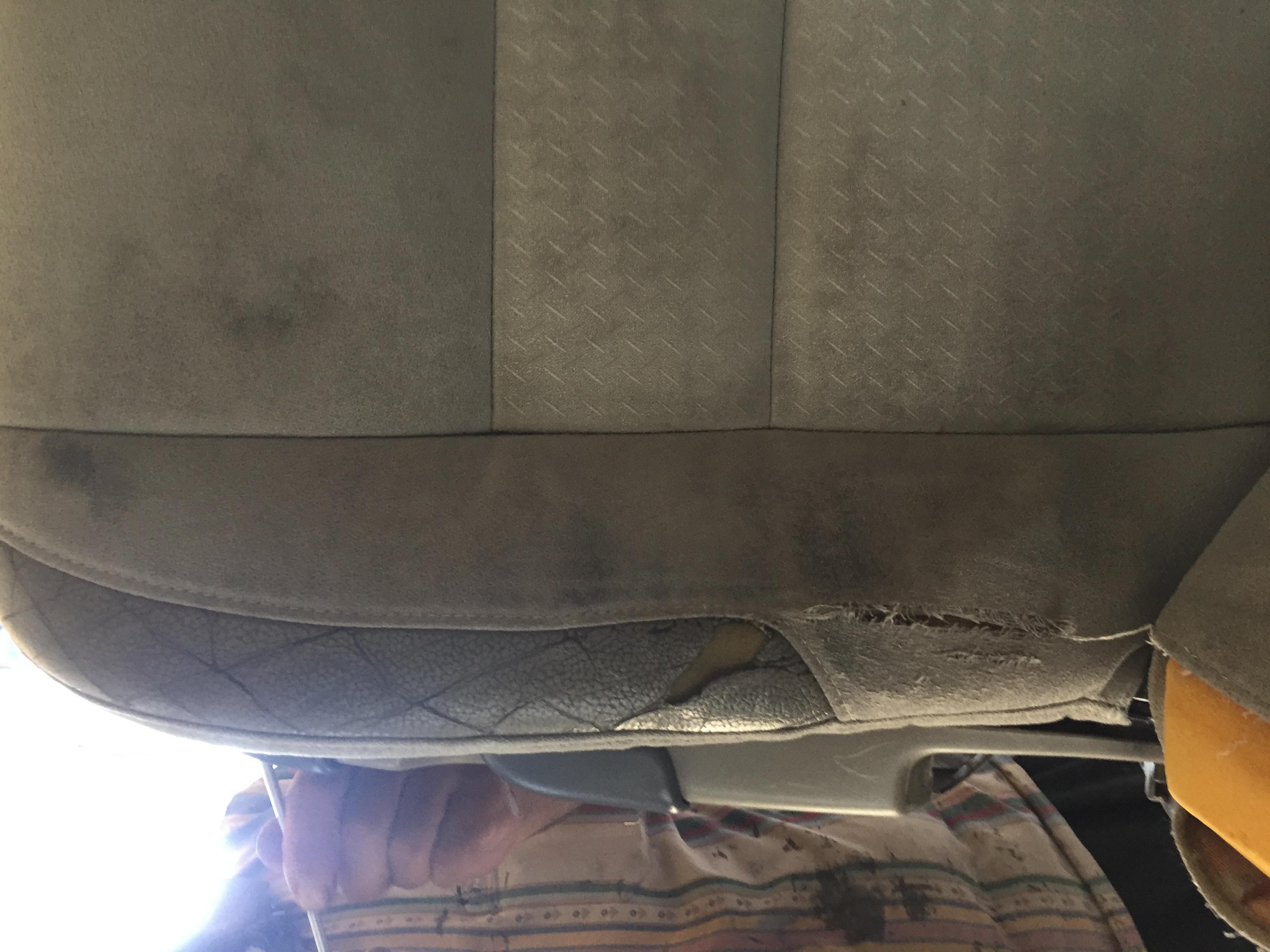 Volvo s40 döşeme yırtık tamiri
